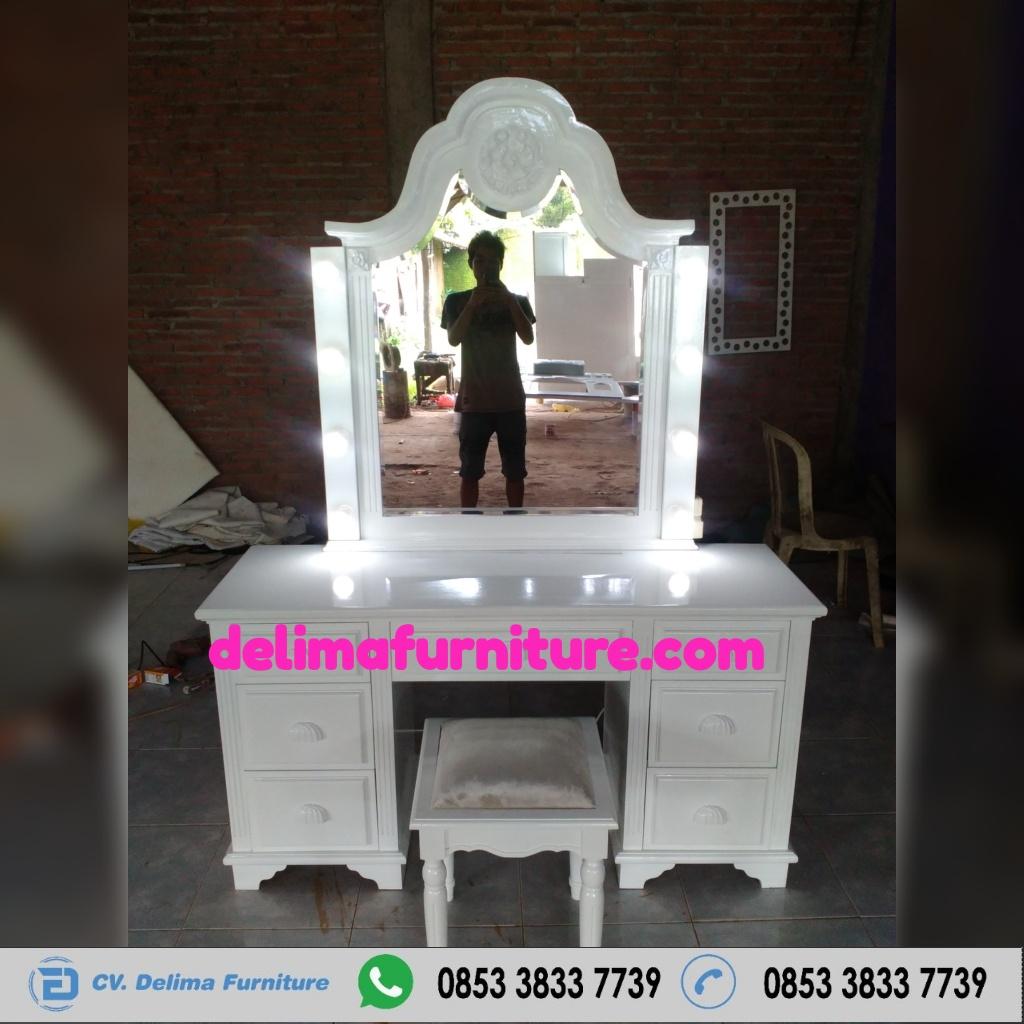 Meja Rias Lampu Klasik Duco Putih