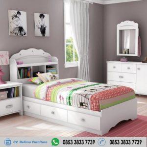 Tempat Tidur Anak Warna Putih Bersih