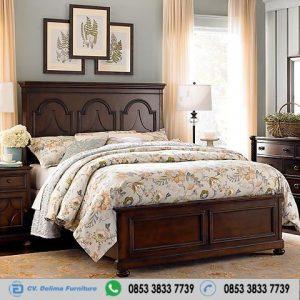Tempat Tidur Antik Profil Minimalis Jati