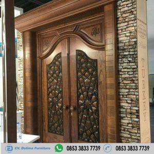 Pintu Kupu Tarung Desain Klasik Kayu Jati Terbaru