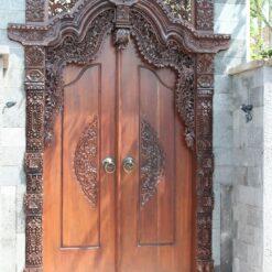 Pintu Kupu Tarung Desain Ukiran Jati Jepara Terbaru
